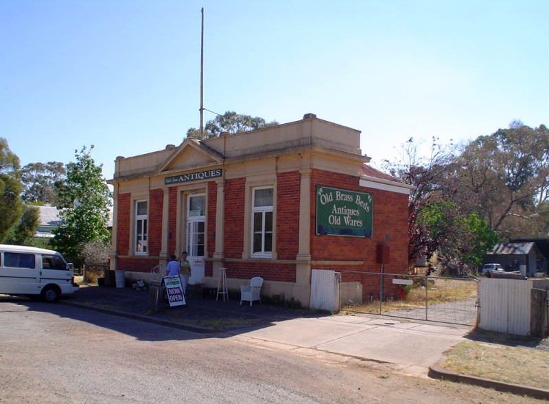 Former Shire of Violet Town Chambers, Lily Street