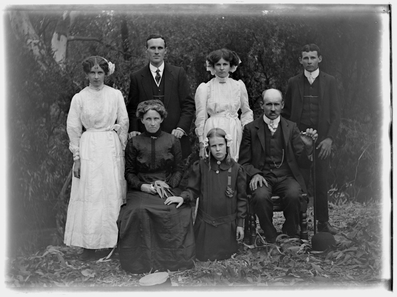 family group of Ewerts SLV.png